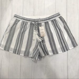 L love women's stripes short NWT size:Large